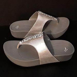 Bare Traps silver sparkley thong - 7M - EUC